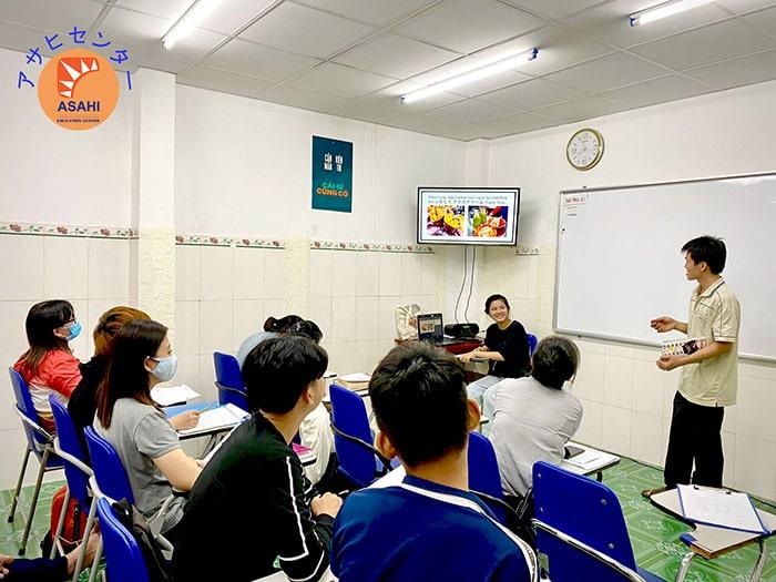 Học tiếng Nhật cho người mới bắt đầu tại Bình Dương - Tiết luyện nói bằng hình ảnh trực quan sinh động tại ASAHI