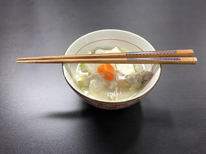 Những điều kiêng kỵ khi dùng đũa trong văn hóa của người Nhật