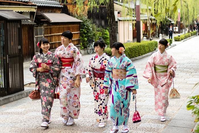 Sự khác biệt giữa KIMONO và YUKATA 6