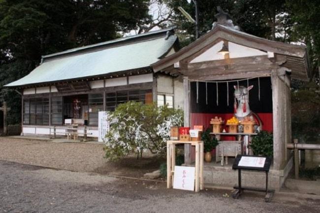Đền Sakatsura Isosaki và tin đồn về trúng số tại Nhật Bản