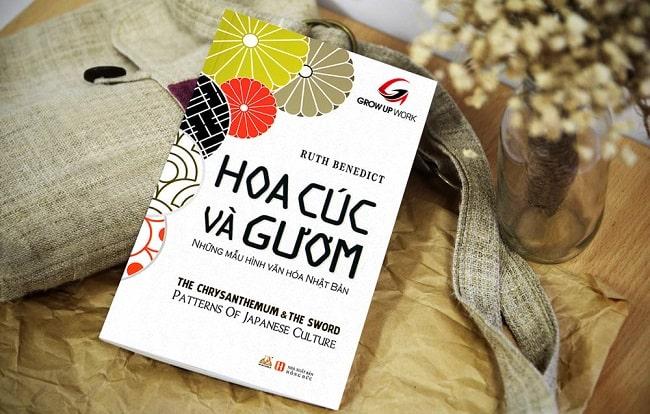 """""""Hoa cúc và Gươm"""" - quyển sách gói gọn căn tính của người Nhật"""